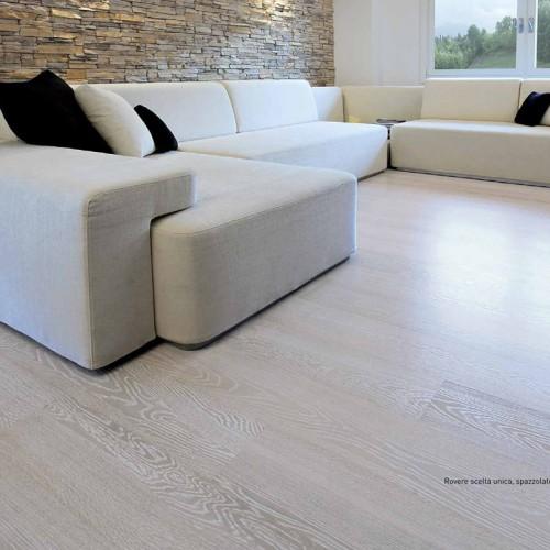 pavimento in legno rovere decapato bianco